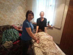 """нова послуга в благодійному фонді """"Максимум"""" - масаж"""